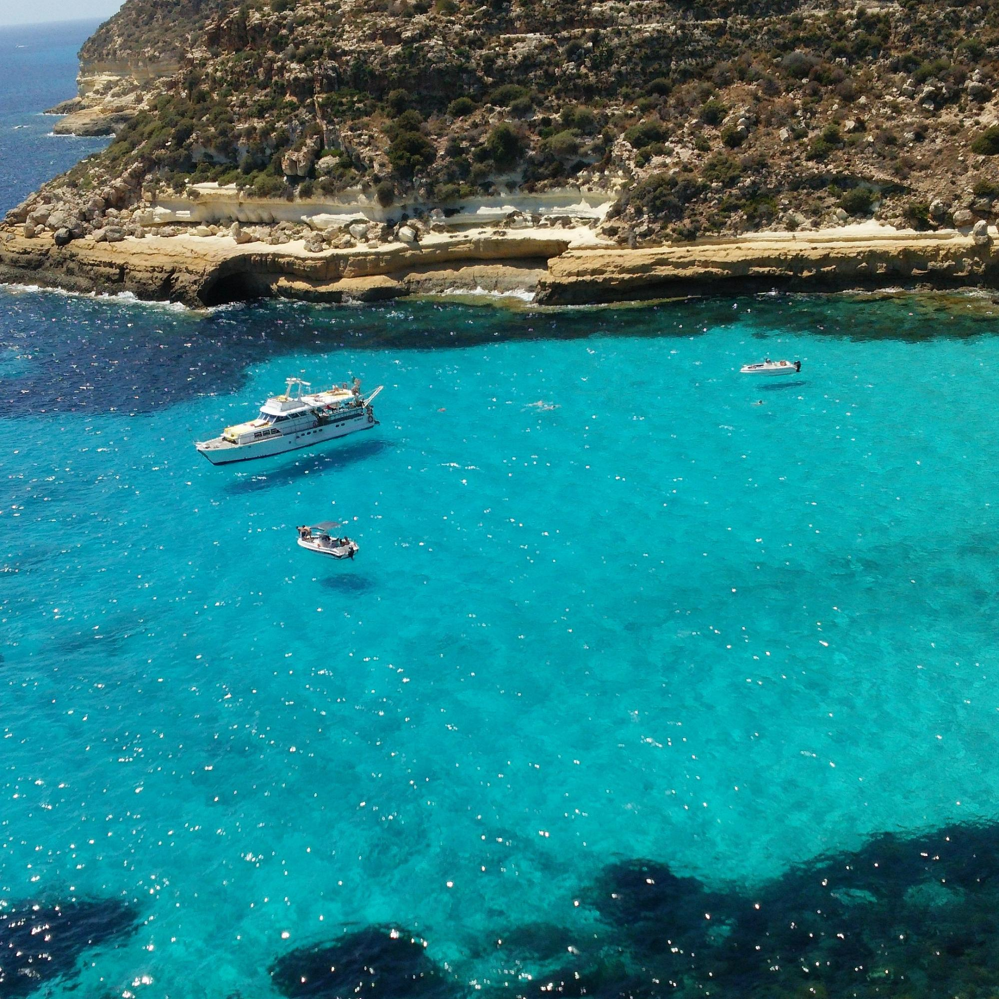 ランペドゥーザ島の観光:フライングボート