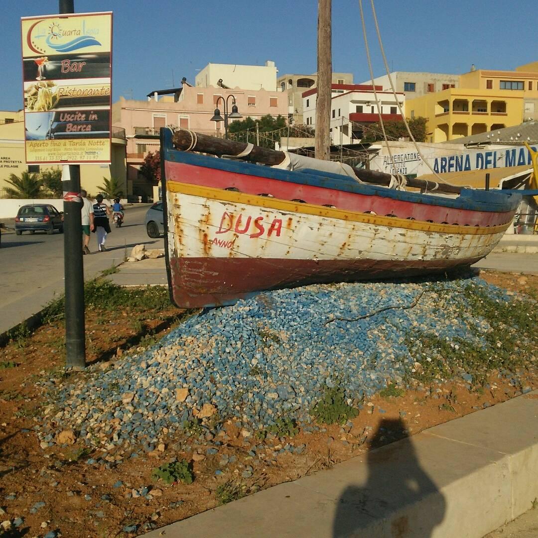 ランペドゥーザ島とは?:ボートの写真