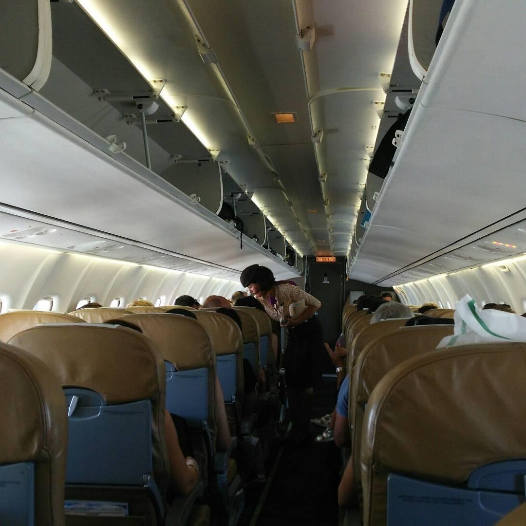 ランペドゥーザ島へおアクセス・行き方:航空機