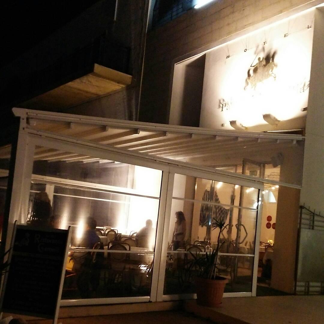 ランペドゥーザ島のホテル宿泊:「ホテルパラディーニ ディ フランシア」の外観