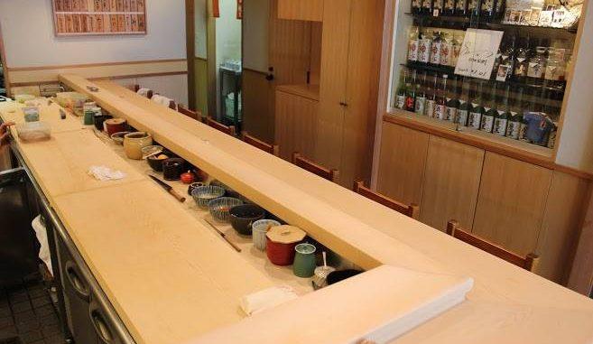 銀座・高級寿司店「神火」 店内・カウンター