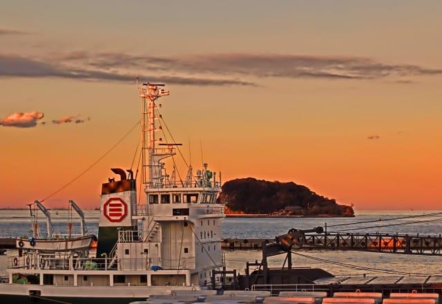 猿島・横須賀からの景色 リゾート気分を満喫できる天然自然の無人島