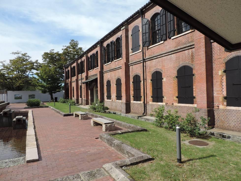 石川県立歴史博物館・玄関