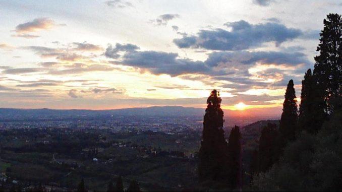 フィエーゾレの丘:観光、行き方、遺跡/美術館