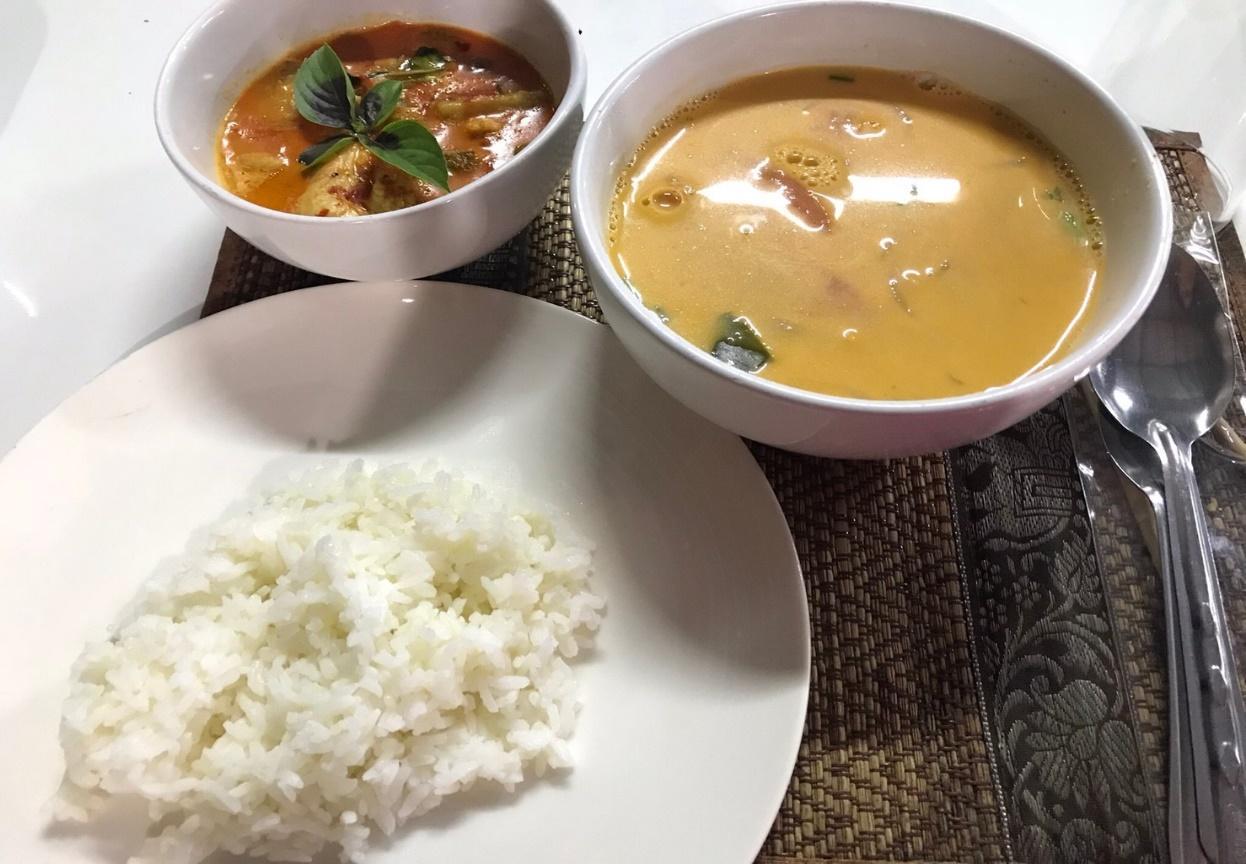 チェンマイの料理教室:レッドカレーとホット&クリーミースープ