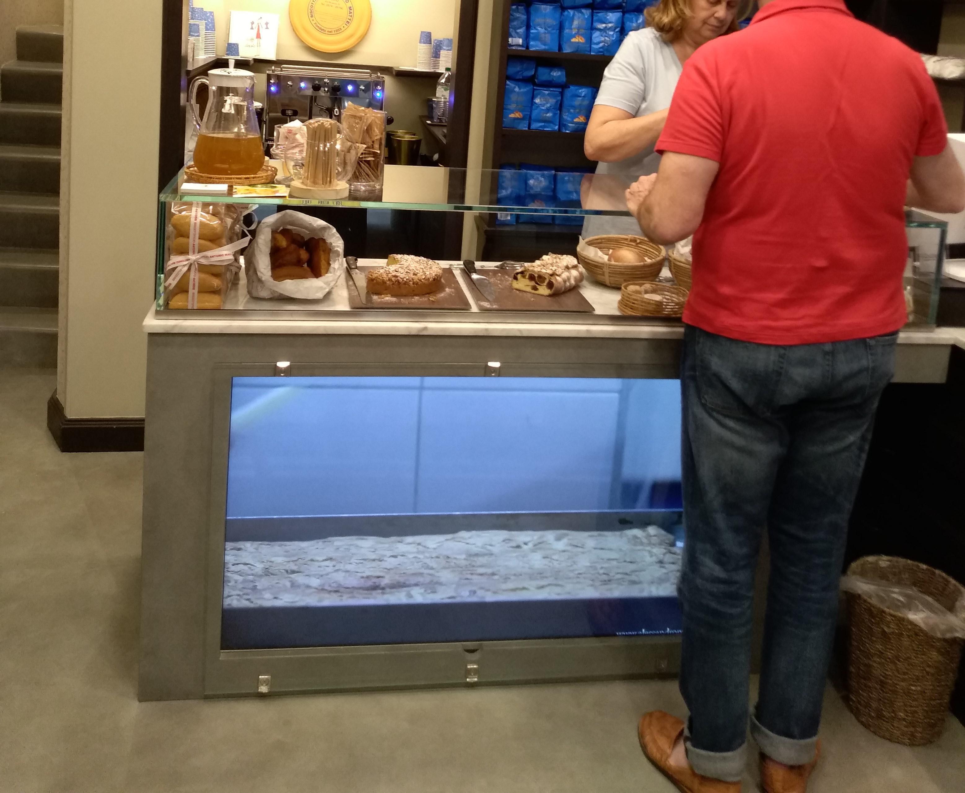 カントゥッチーノの以外のお菓子: ドライフルーツ・パウンドケーキ:ANTONIO MATTEI(アントニオ マッテイ)