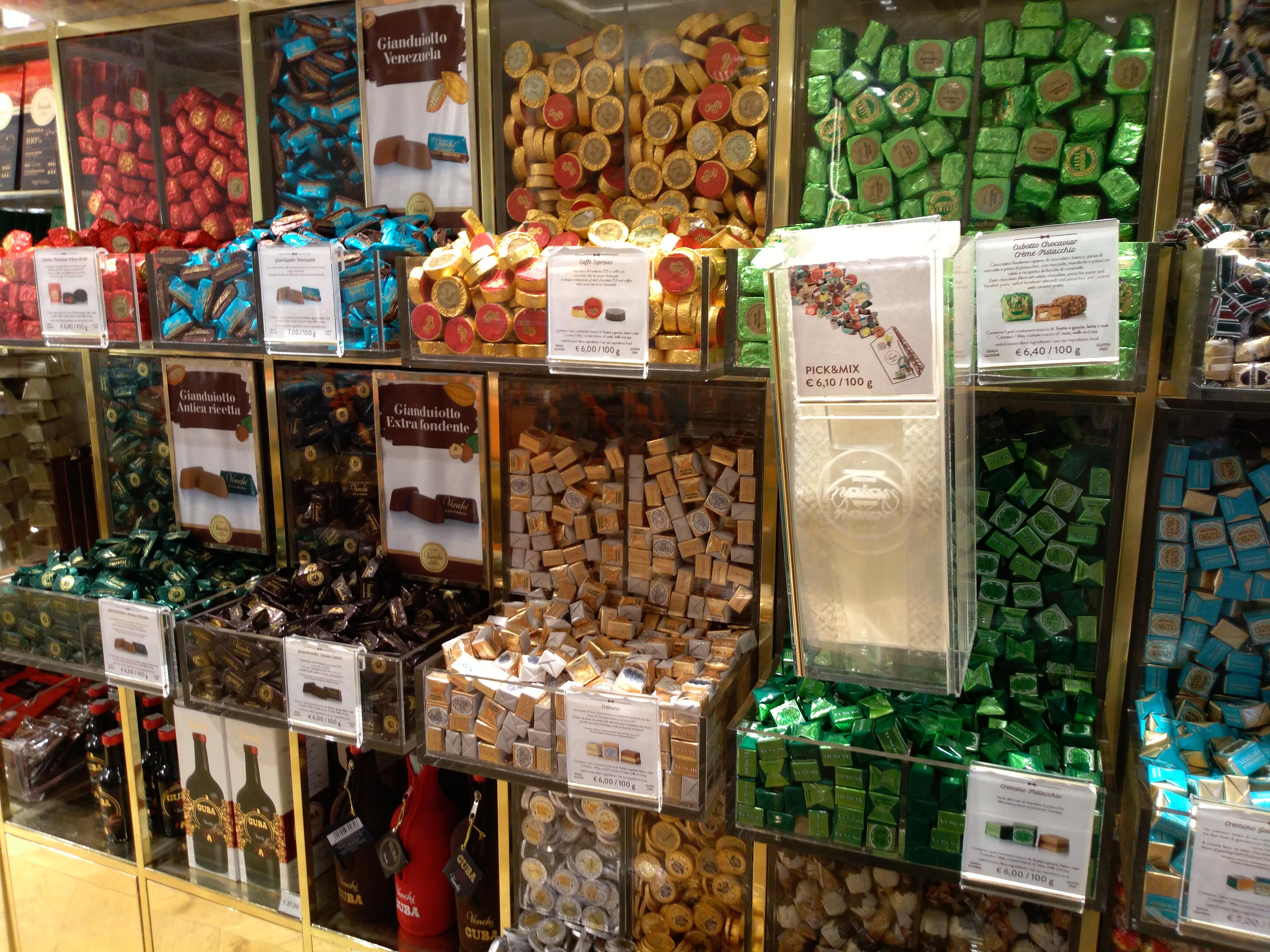 チョコレートの量り売りのお土産:Venchi(ヴェンキ)