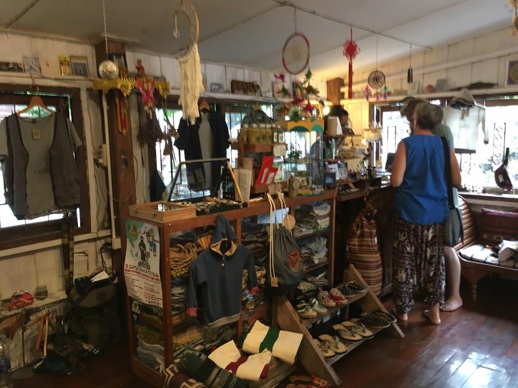 チェンマイのお土産・ファッション雑貨・洋服類(旧市街のファッションのお店)