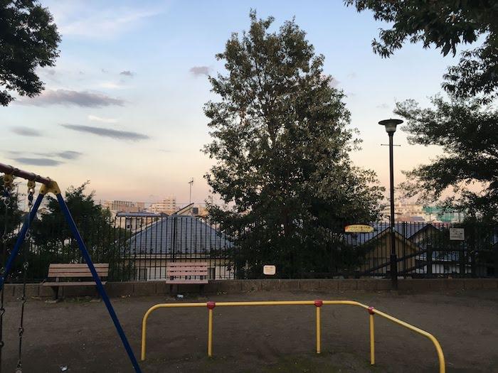 井荻公園: 西荻窪駅から近め/子供向け遊具や水遊びも充実