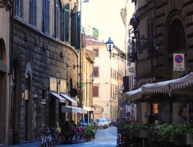 【フィレンツェの治安】観光エリア・駅前などの治安状況と注意・安全対策をフィレンツェ在住筆者が解説