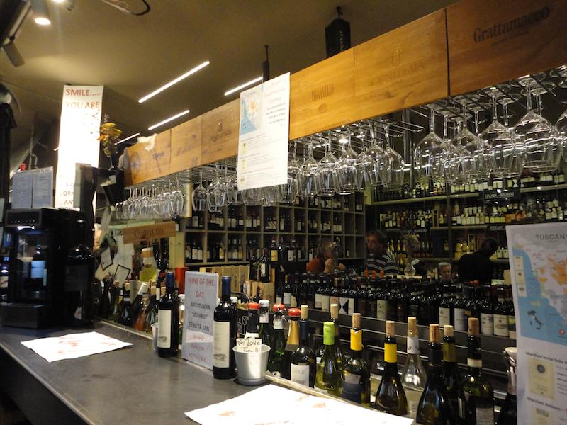 フィレンツェ中央市場・ワイン(L'ENOTECA by Sandro Saltan)