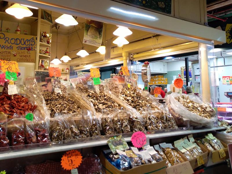 フィレンツェ中央市場・乾物屋