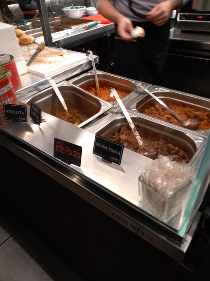 フィレンツェ中央市場・煮込み料理/トリッパのお店