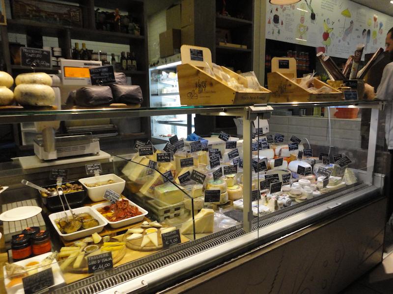 Franco Parolaのチーズとグルメ2(フィレンツェ中央市場)