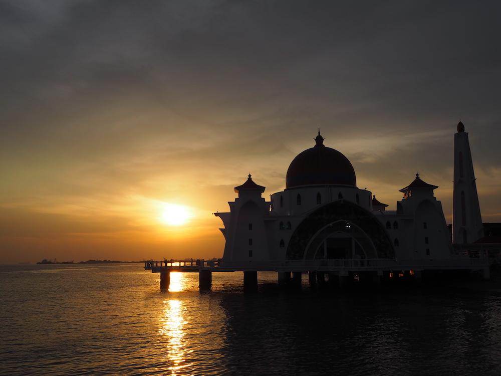 マラッカのモスクから見る夕日