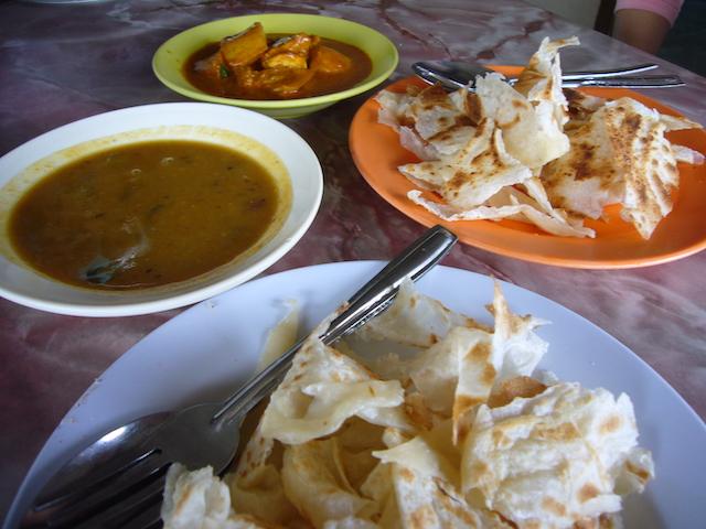 マレーシアのグルメ・ロティチャナイの食べ方