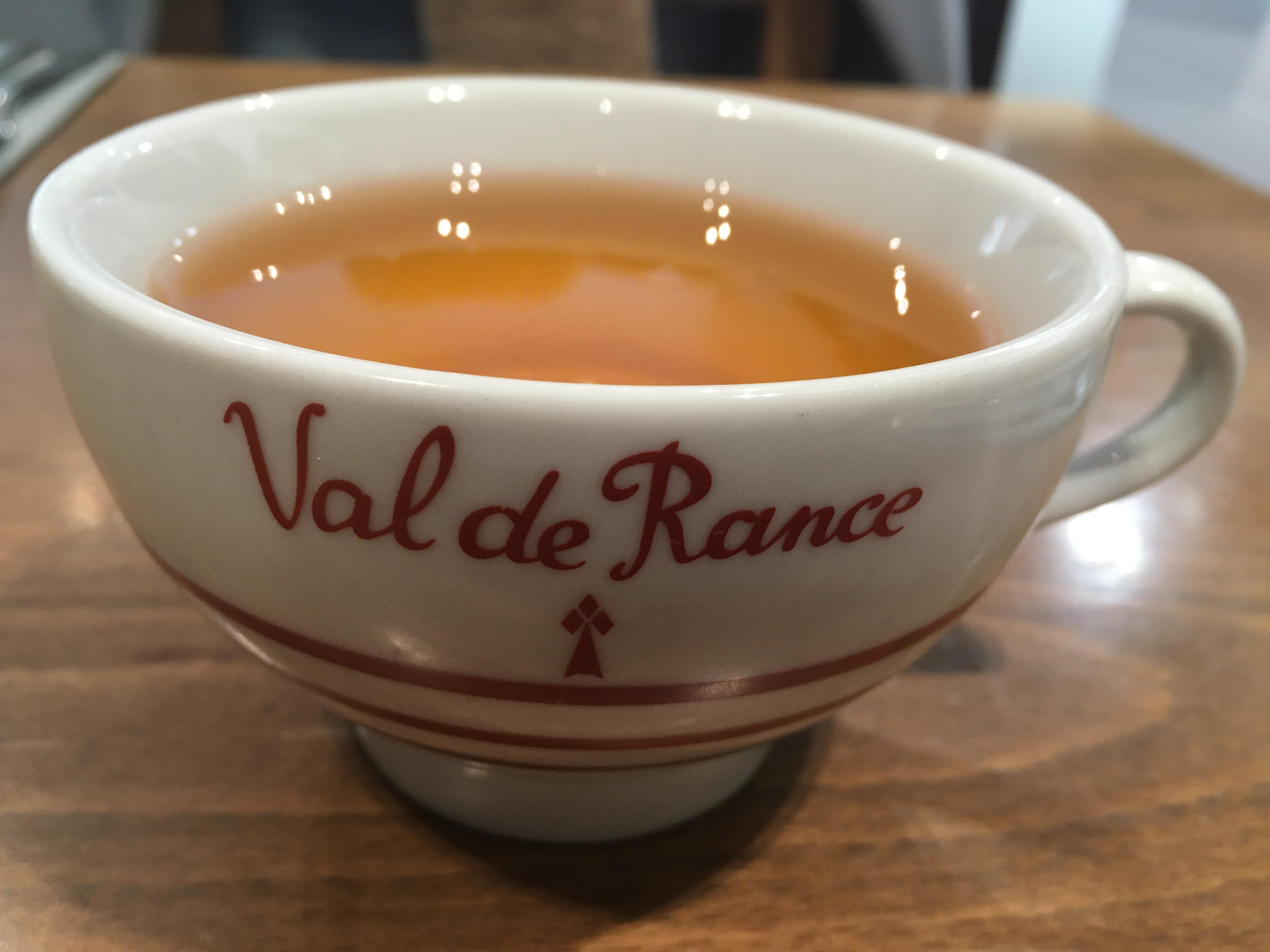 フランス・レンヌ/マグカップで飲むシードル