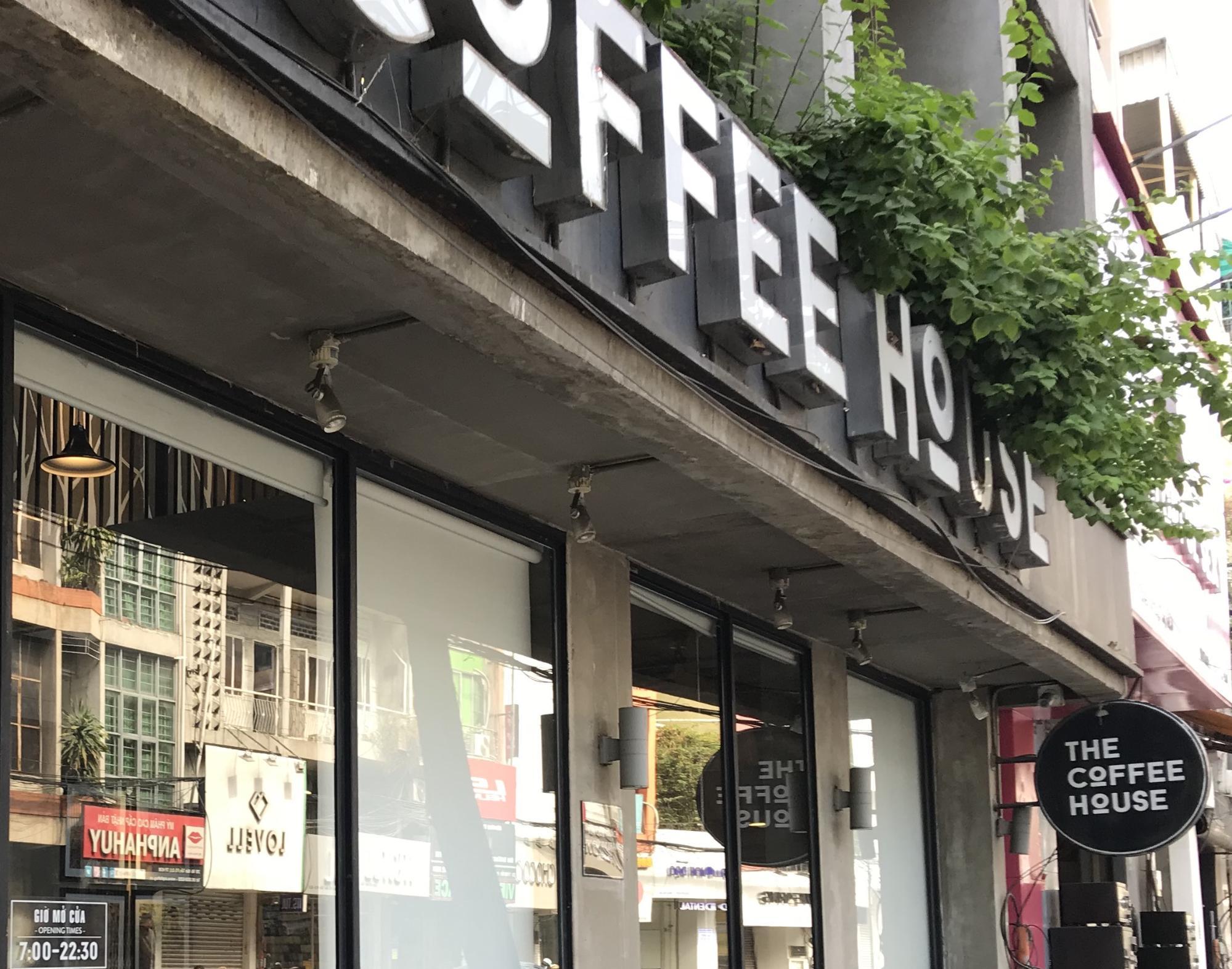 ホーチミン・現地で有名なチェーン店のカフェ①: The coffee houseの外観
