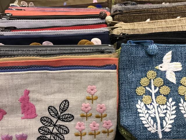 ベトナム・ホーチミンの雑貨のお土産:刺繍製品・小物・ポーチのお土産