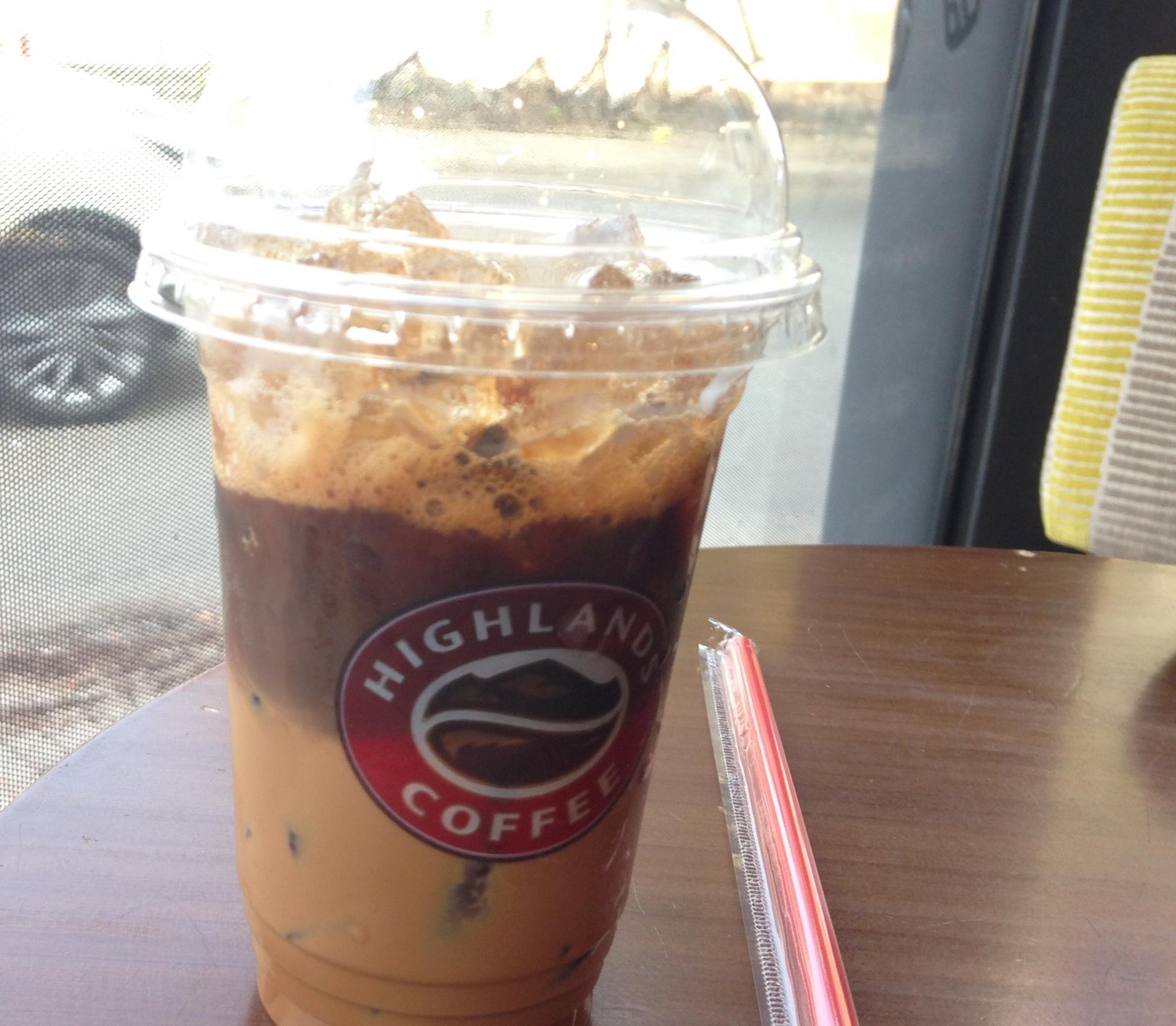 ホーチミン・現地で有名なチェーン店のカフェ②: ハイランドコーヒー