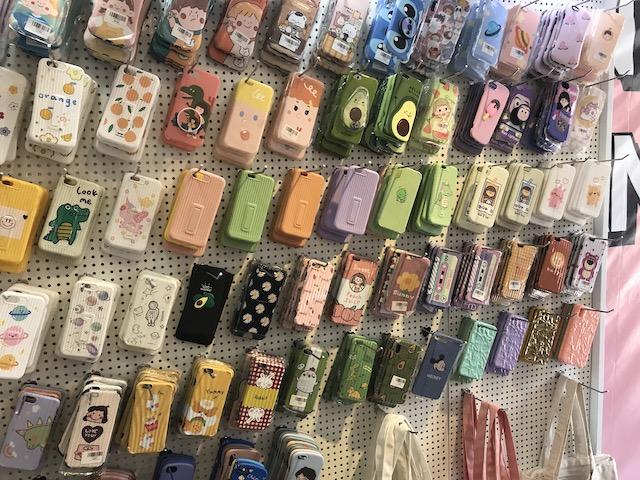 ホーチミン・iphoneアクセサリー専門店の商品