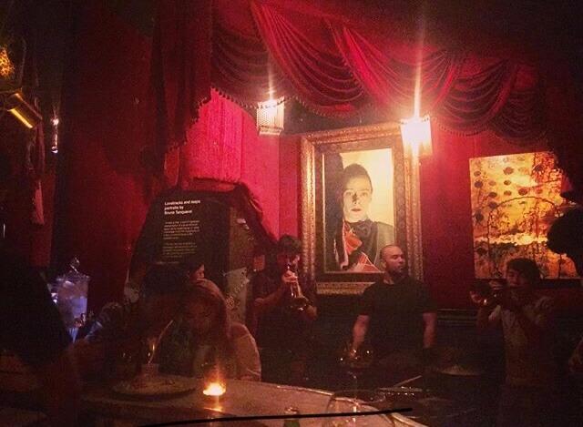 Smalls:音楽ライブやルーフトップからの夜景も楽しめるバー