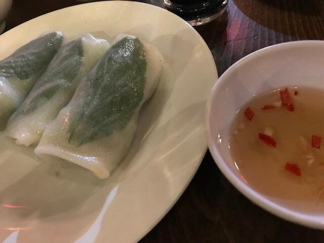 ホーチミン・Hue Cornerのローカル料理2(生春巻き)