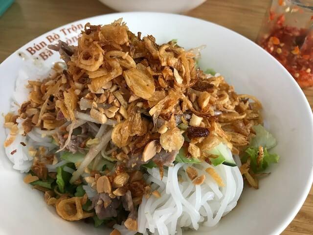 名前はわからないけど麺類(ベトナム・ホーチミン屋台グルメ)