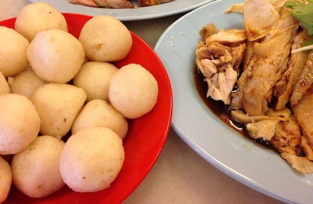 マレーシアのローカルフード:チキンライスボール