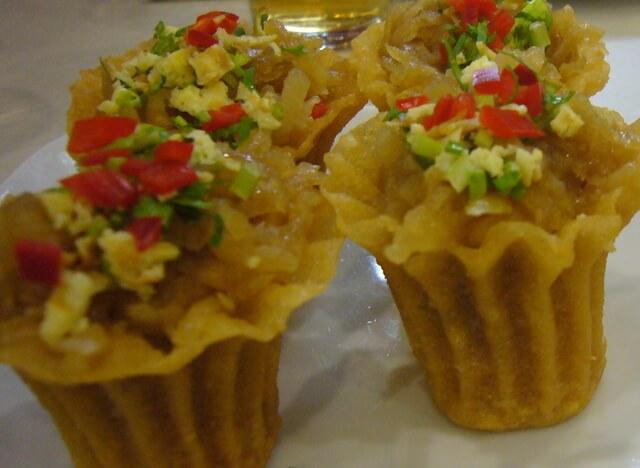 マレーシアのローカルフード:クエ・パイティー(ニョニャ料理)